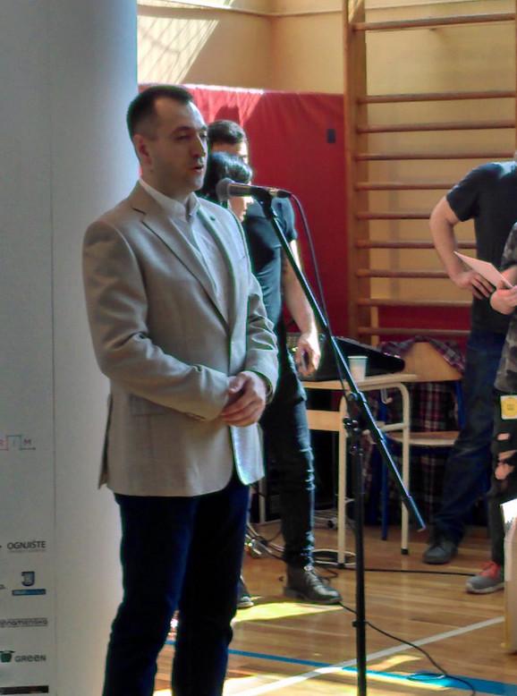 Saša Stojanović