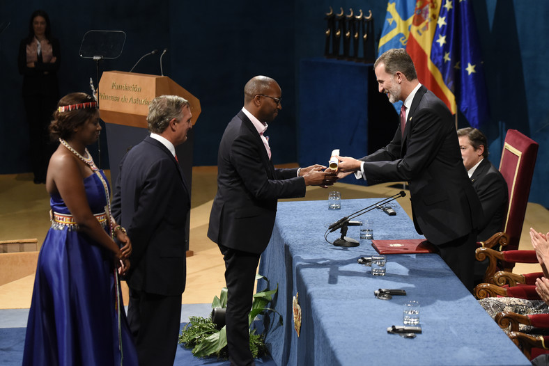 Amref Health Africa (Global) and the Amref Health Africa office in Spain receiving the Princess of Austria's Award for International Cooperation in Oviedo, Spain in 2018 that was officiated by the King of Spain Filipe VI.