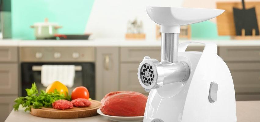 Pokroi warzywa, zmieli kawę, wyciśnie sok. Zobacz, co potrafi maszynka do mięsa