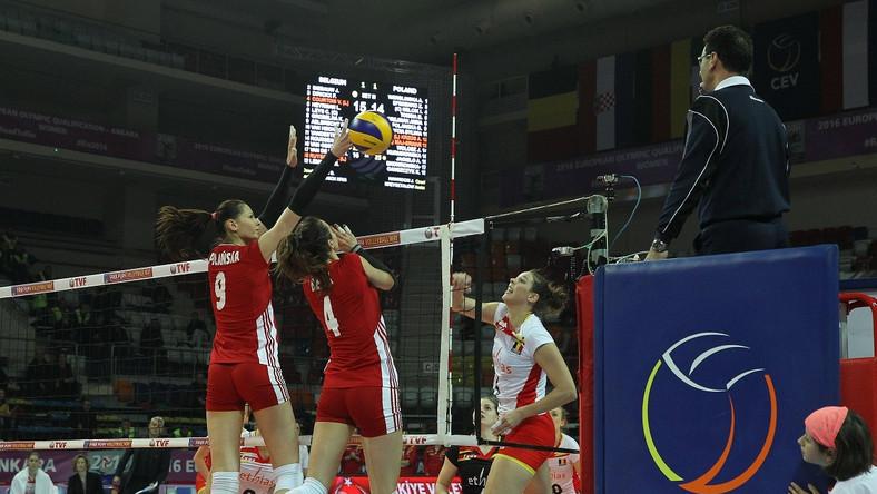Polskie siatkarki skaczą do bloku