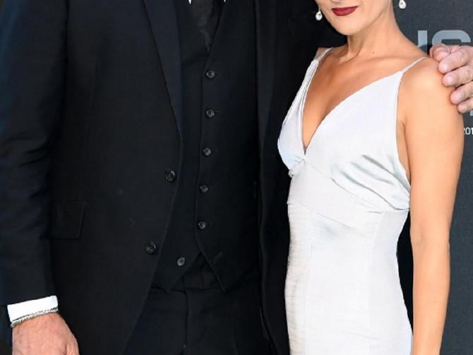 FIFA dodeljuje nagrade u Londonu - brdo poznatih parova i OVAJ GOLMAN: U karijeri je žestoko kiksirao, sad sa ženom poentira