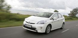 Ekologiczna Toyota do miasta zaskakuje zawieszeniem