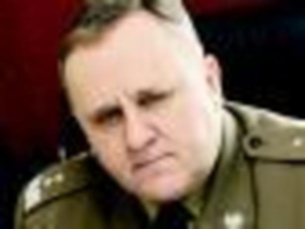 Gen. dyw. dr hab. Bogusław Pacek, doradca ministra obrony i nowy rektor Akademii Obrony Narodowej