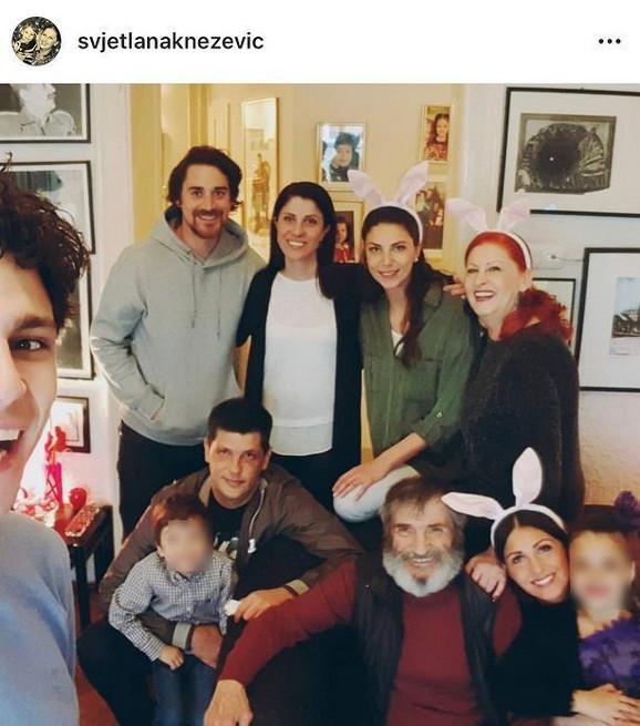 Miša Janketić sa porodicom 28. aprila ove godine