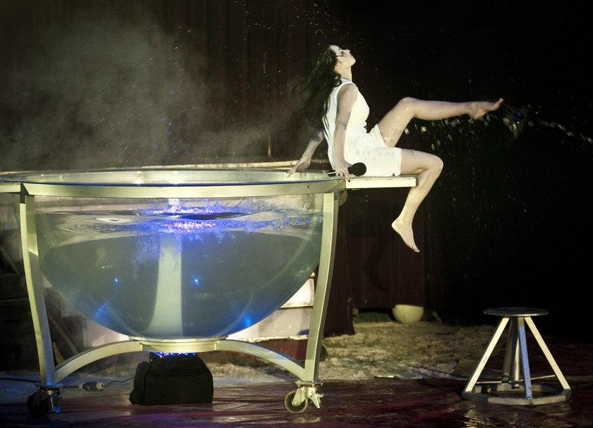 Ewelina Lisowska jak Dita Von Teese