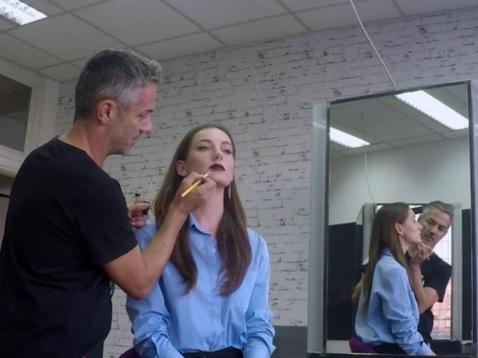 Naš najbolji šminker otkriva: EVO kako da se našminkate, a da se svi OKREĆU ZA VAMA