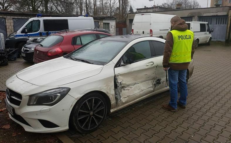 Kierowca mercedesa spowodował dwie kolizje z samochodami: volkswagen caddy i toyota avensis