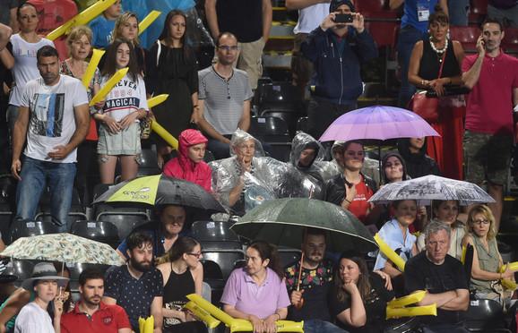 Publika tokom meča Srbija - Australija na bazenu Tašmajdan