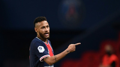 Neymar back but problems persist for PSG