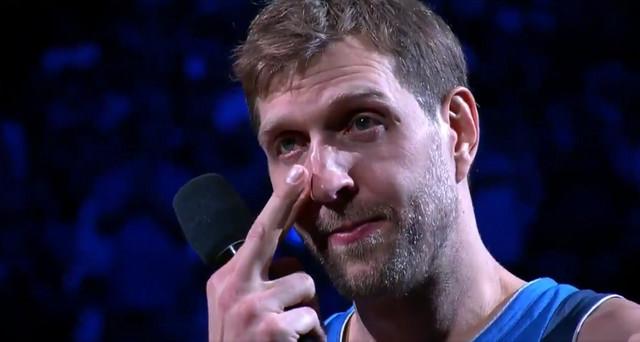 Dirk Novicki plače na oproštaju od publike u Dalasu