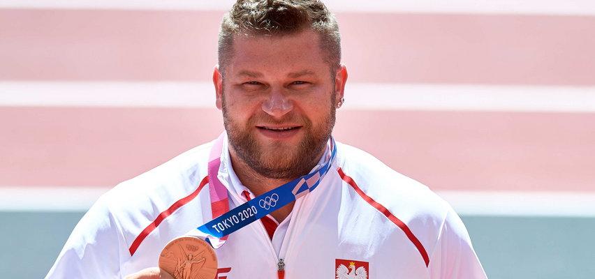 Brązowy medalista Paweł Fajdek. Po dziewięciu latach zaśnie bez stresu