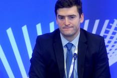 MALI SMENIO DINKIĆEVOG MILIONERA Državni sekretar koji je počeo još kao kadar G17 zarađivao od 500.000 do MILION MESEČNO