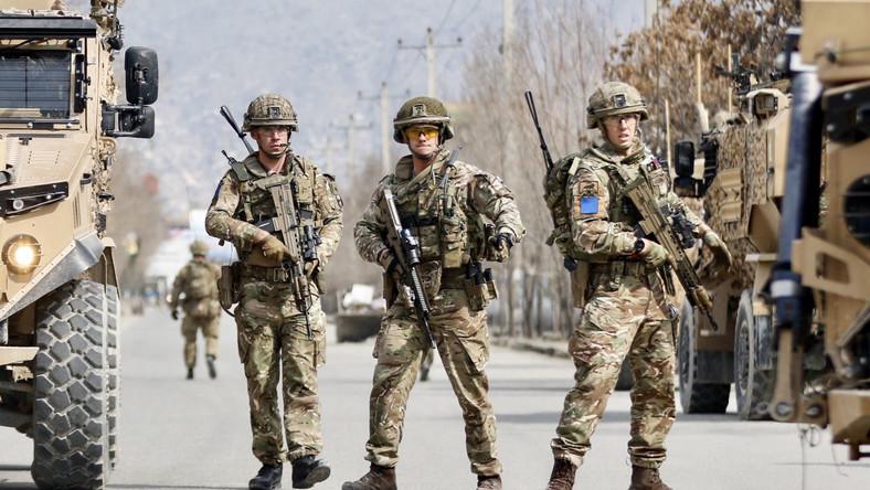 Brytyjscy żołnierze po zamachu w Kabulu