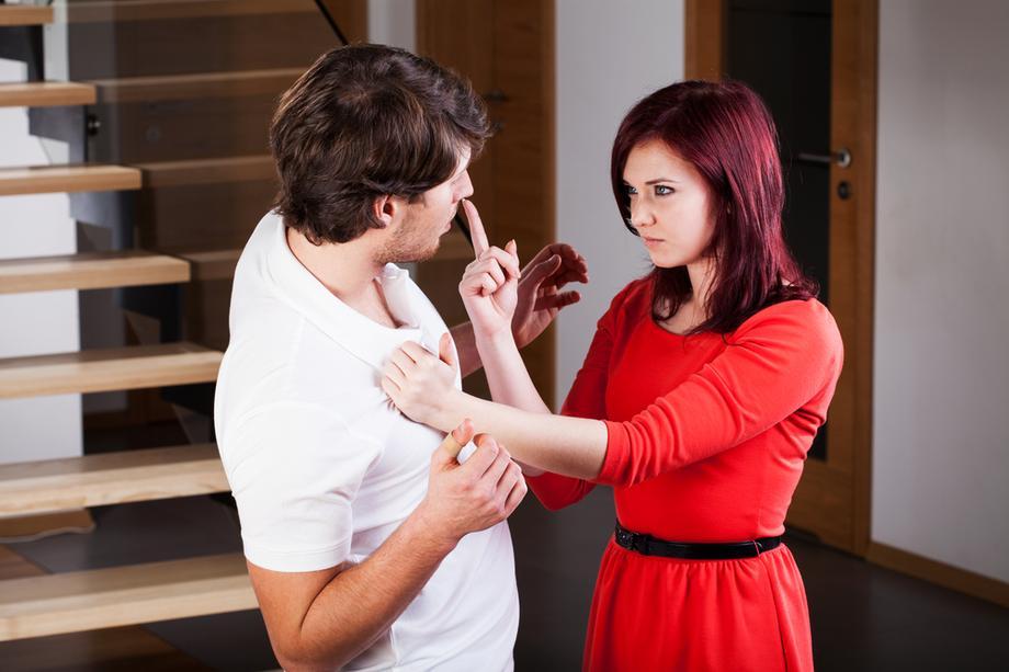 randki związane z przemocą randkowanie ze schizofrenią paranoidalną