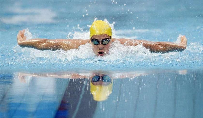 """Seksowna pływaczka straciła super brykę. Przez wpis. Stephanie Rice straciła jaguara przez """"pedałów"""""""