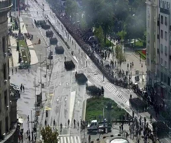 Parada posmatrana sa visine