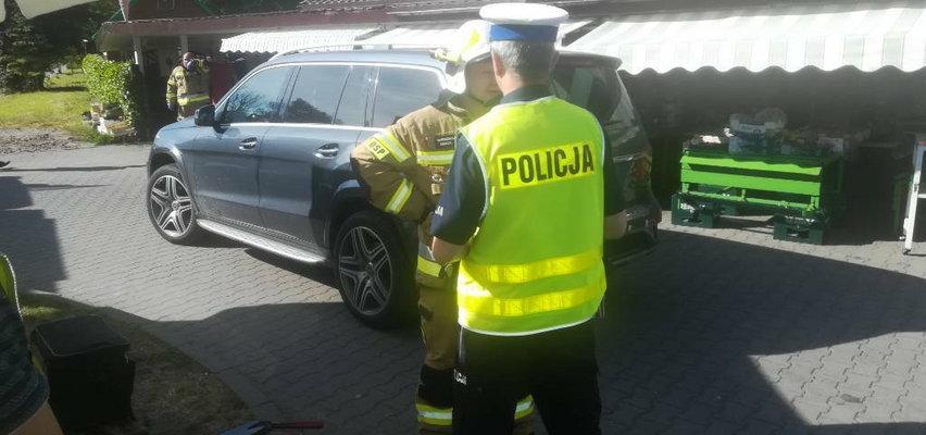 Tragedia w Jastarni. 2-letnia dziewczynka zginęła na parkingu przed sklepem. Wszystko widział jej tata...
