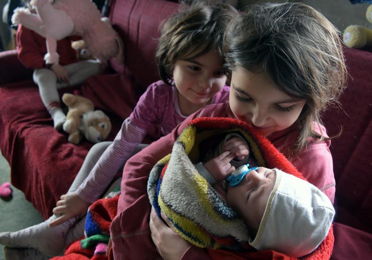 Novi Sad13706 Porodica Rofa Adrijana Jovana i beba Ana iz Titela foto Nenad Mihajlovic