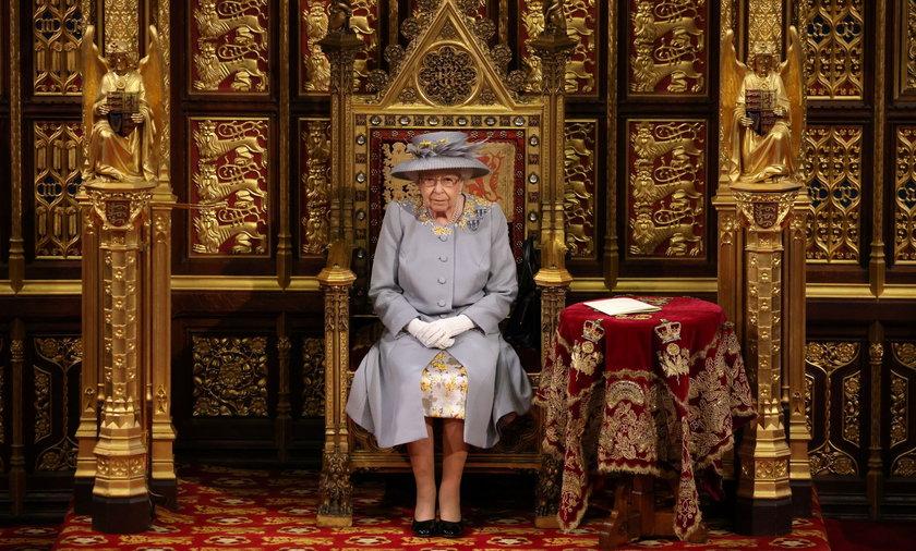 Królowa Elżbieta II wygłosiła mowę tronową.