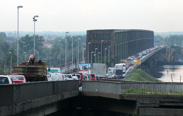 pancevacki most Saobracajna guzba_300414_RAS foto M Josida 011