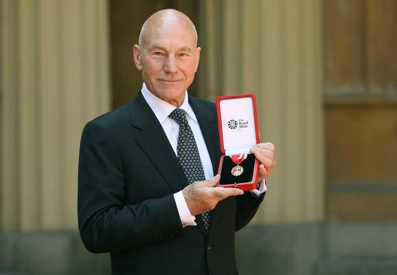 Patrik Stjuart je za zasluge u glumi dobio plemićku titulu od kraljice Elizabete