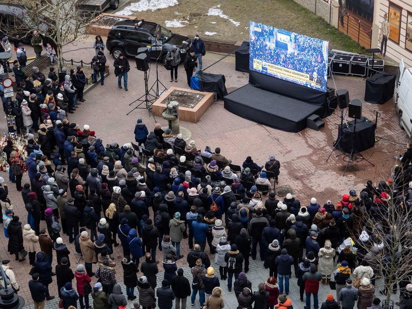 Tłumy Polaków w całym kraju żegnały prezydenta