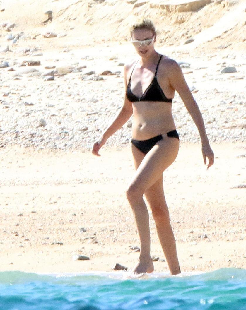Charlize Theron na wakacjach w Meksyku