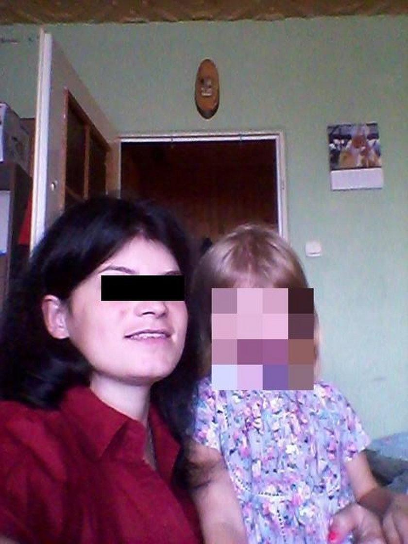 Kąpała córkę we wrzątku. Czy będzie z niej dobra mama?
