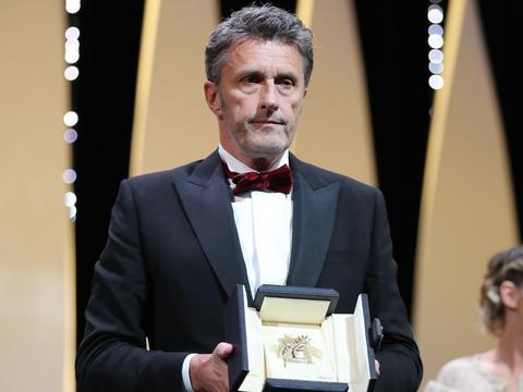 """Paweł Pawlikowski nagrodzony w Cannes za """"Zimną Wojnę""""."""