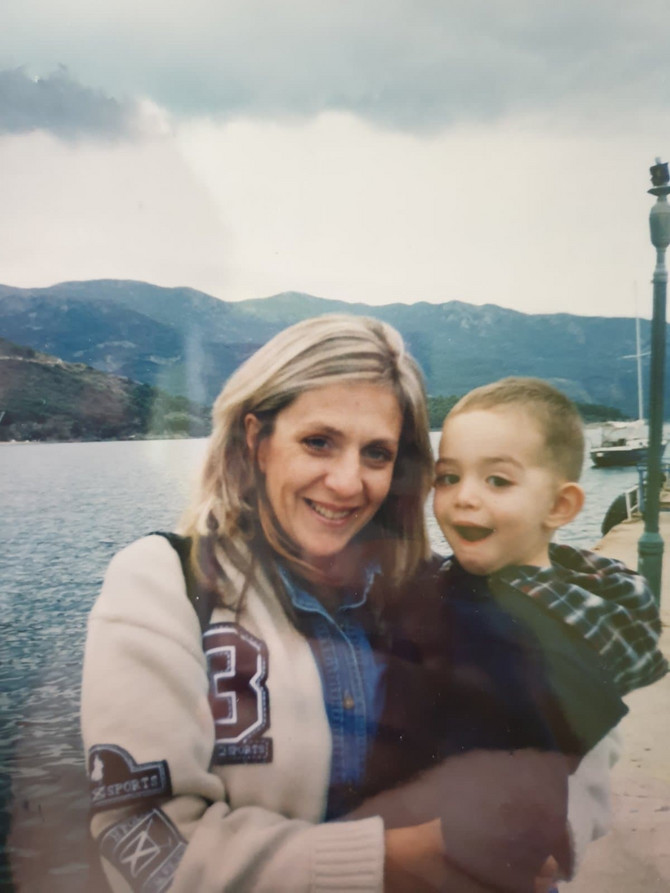 Jasmina Tekić sa sinom Petrom