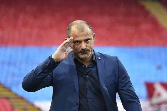 """ZVEZDAŠI U TRANSU, nema šale sa """"starim dužnikom""""! Stanković izabrao tim za Kairat, sve oči uprte u OVOG NAPADAČA!"""