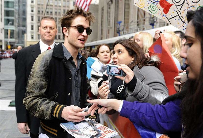 Pattinson woli starsze kobiety. Jak to?