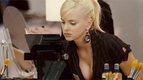 Seksowna blondynka u boku Borata?