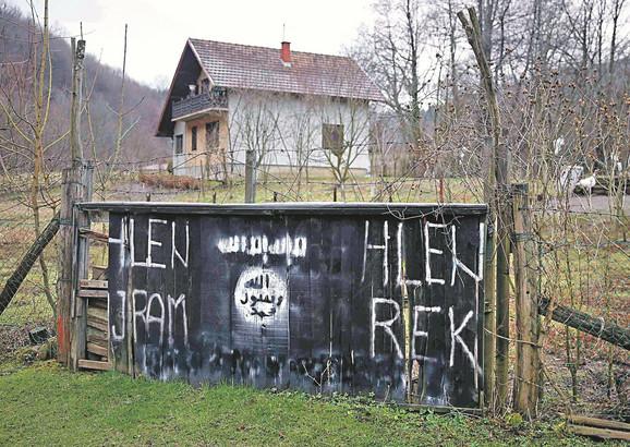 Nemački novinari su posle posete distriktu Brčko i selu Gornja Maoča ocenili da je BiH najveći regrutni centar džihadista Islamske države foto:Reuters/D. Ruvić