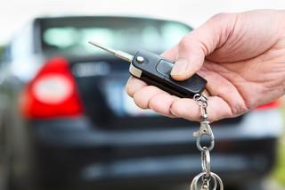 Porsche jako pomoc drogowa: KAS poluje na podejrzane auta