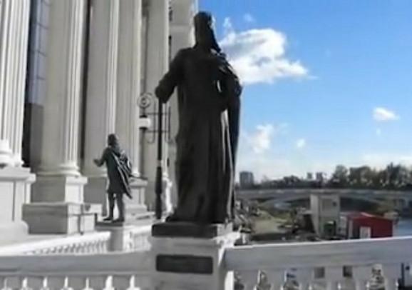 Spomenik Caru Dusanu Bice Uklonjen Iz Skoplja