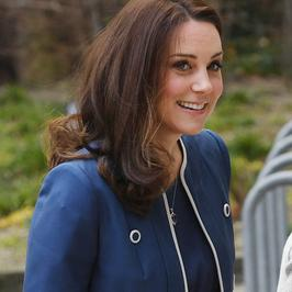 Księżna Kate Middleton w zjawiskowym płaszczu. Ciąża wyraźnie jej służy