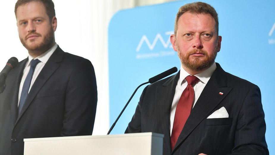 Janusz Cieszyński (były wiceminister zdrowia) i Łukasz Szumowski (były szef resortu)