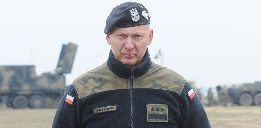 Generał nie zostawia suchej nitki na Macierewiczu