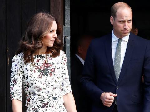 2d0a6ce4698e0 Para książęca jest już na Pomorzu! Książę William i jego żona Księżna Kate  rozpoczęli swoją wizytę w naszym regionie. Wtorkową wizytę rozpoczęli do ...