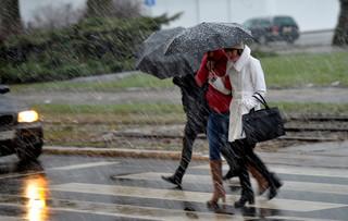 Już osiem ofiar śmiertelnych orkanu Fryderyka w Europie