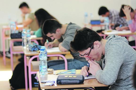 Za tri zadatka mladi učenici imaju četiri i po sata