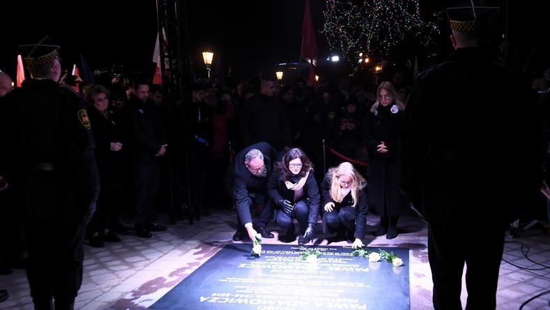 Odsłonięcie tablicy pamiątkowej Pawła Adamowicza