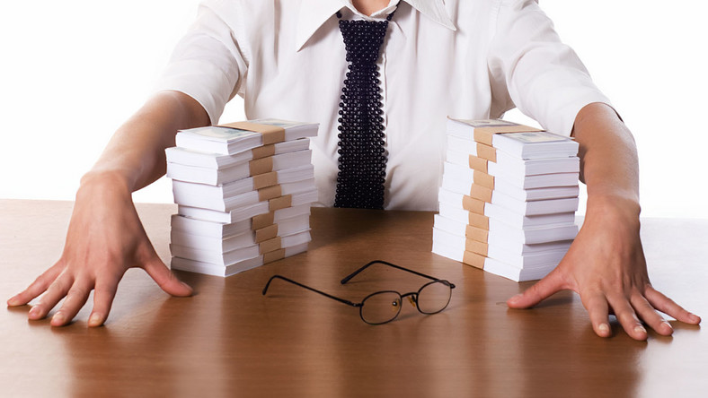 Na najwyższe premie mogą liczyć bankowcy