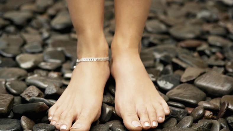 Szczególnie latem stopy wymagają szczególnej pielęgnacji