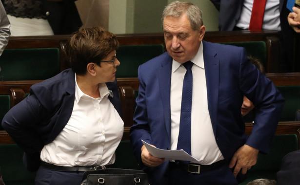 Premier Beata Szydlo i minister Henryk Kowalczyk . Fot . Sławomir Kamiński / Agencja Gazeta