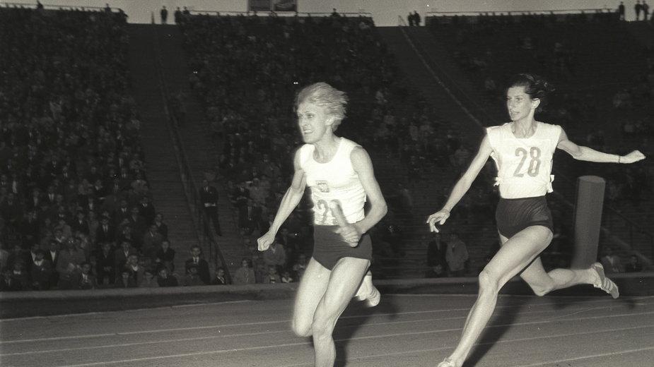 Ewa Kłobukowska i Irena Kirszenstein