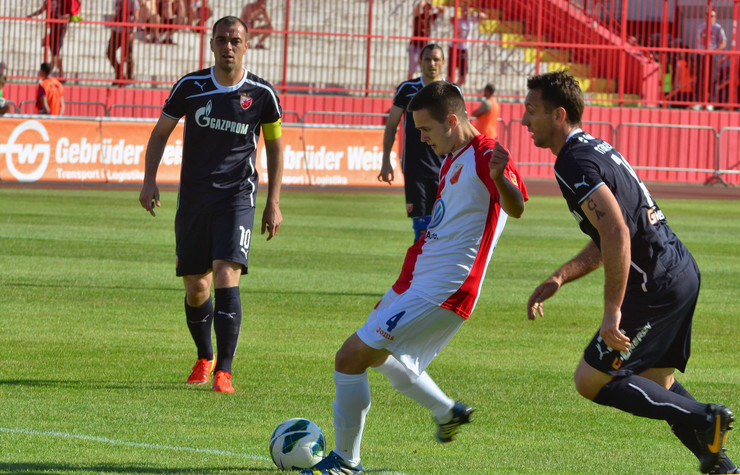 619631_novi-sad5794-fudbalska-utakmica-vojvodina-crvena-zvezda-ivanic-mirko-pavicevic-savo-foto-nenad-mihajlovic