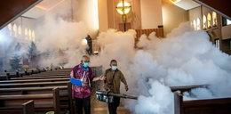 Tak przygotowują się do pasterki. Obowiązkowa dezynfekcja kościoła