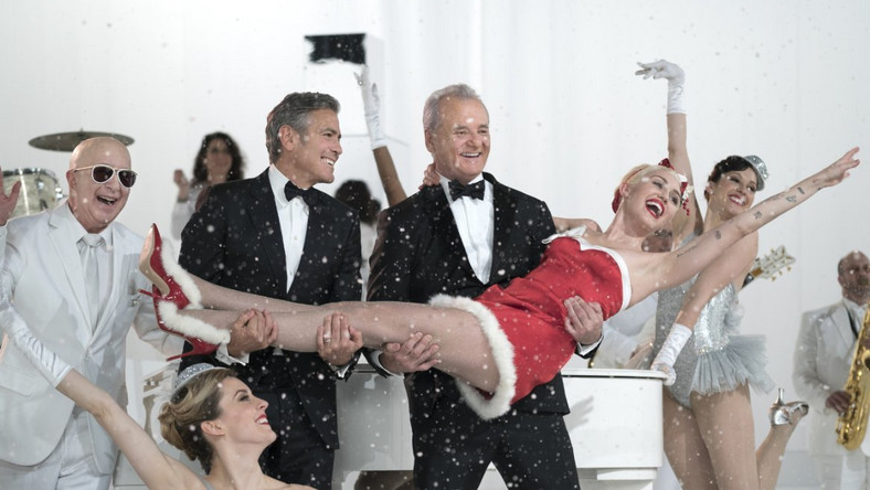 Świąteczny Bill Murray z Miley Cyrus i Georgem Clooneyem